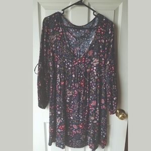 American Eagle Floral mid length sleeved Dress